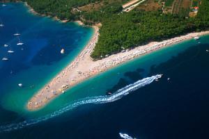 Pláž Zlatni rat, ostrov Brač